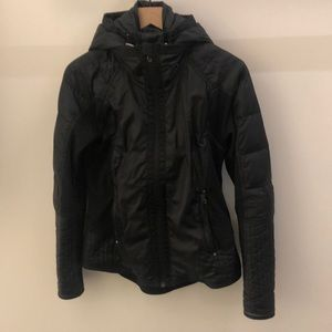 Lululemon black jacket with hood, sz 6, 66933